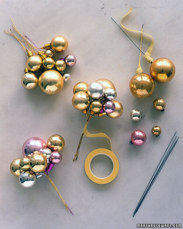 Как сделать гирлянду из шаров новогодних